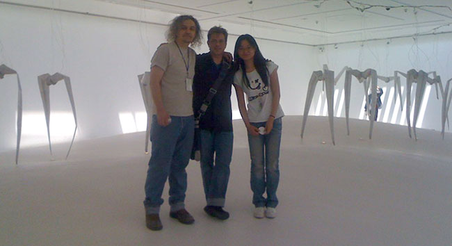 Chico Macmurtrie, Brian Kane, Lily