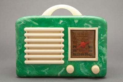 bakelite-radio