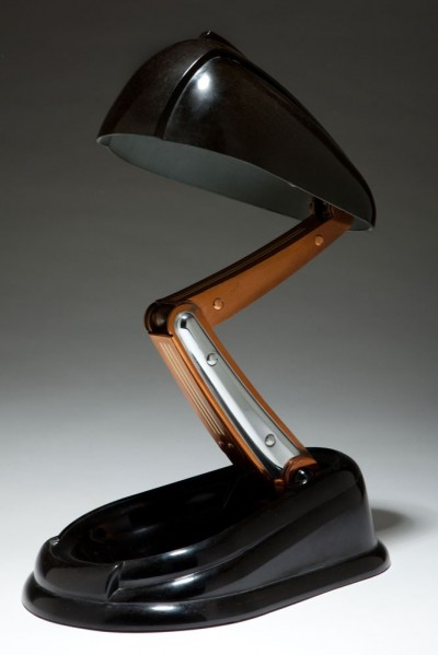 french-art-deco-jumo-bakelite-bolide–lamp(1)